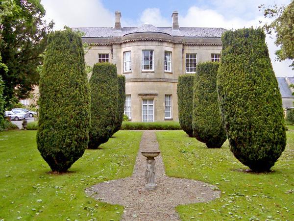 4 Castle House