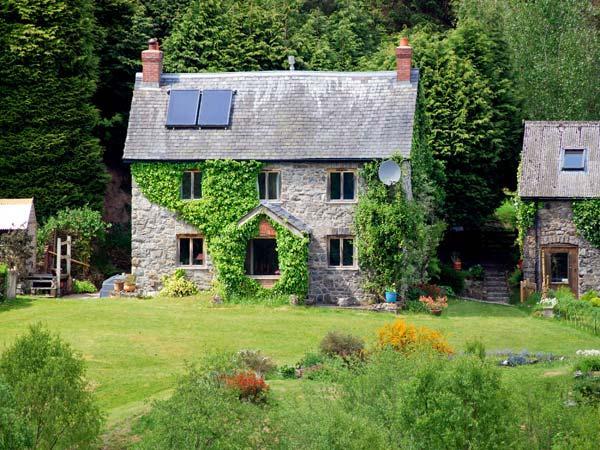 Cwm Bedw Farmhouse