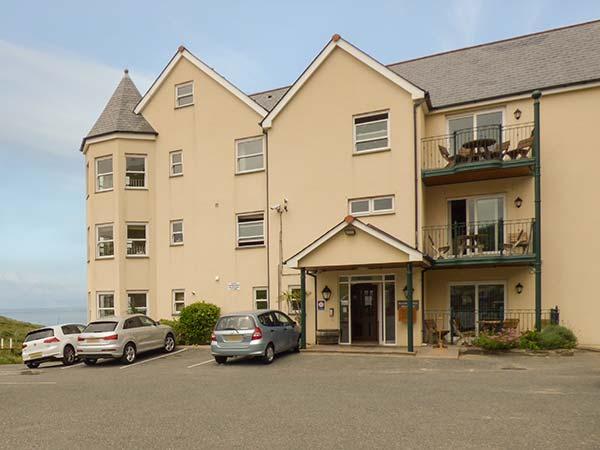 4 Beachcombers Apartments