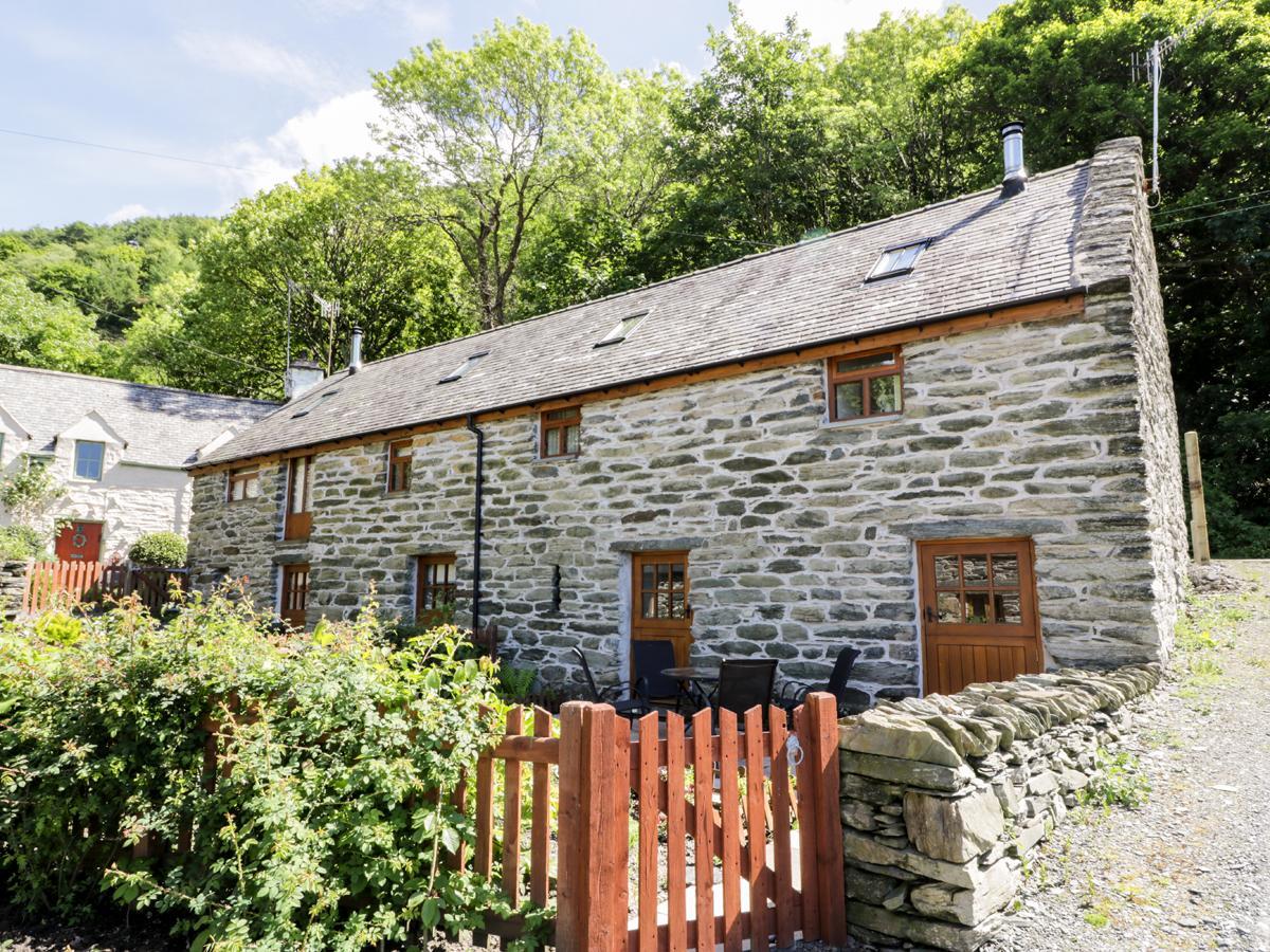Hendoll Cottage 2