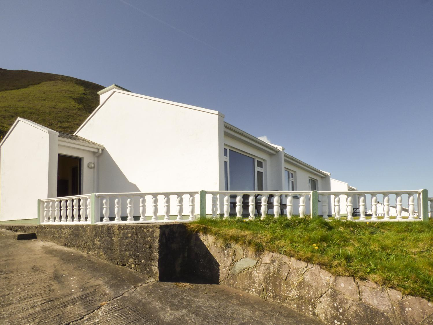 Rossbeigh Beach Cottage No 2