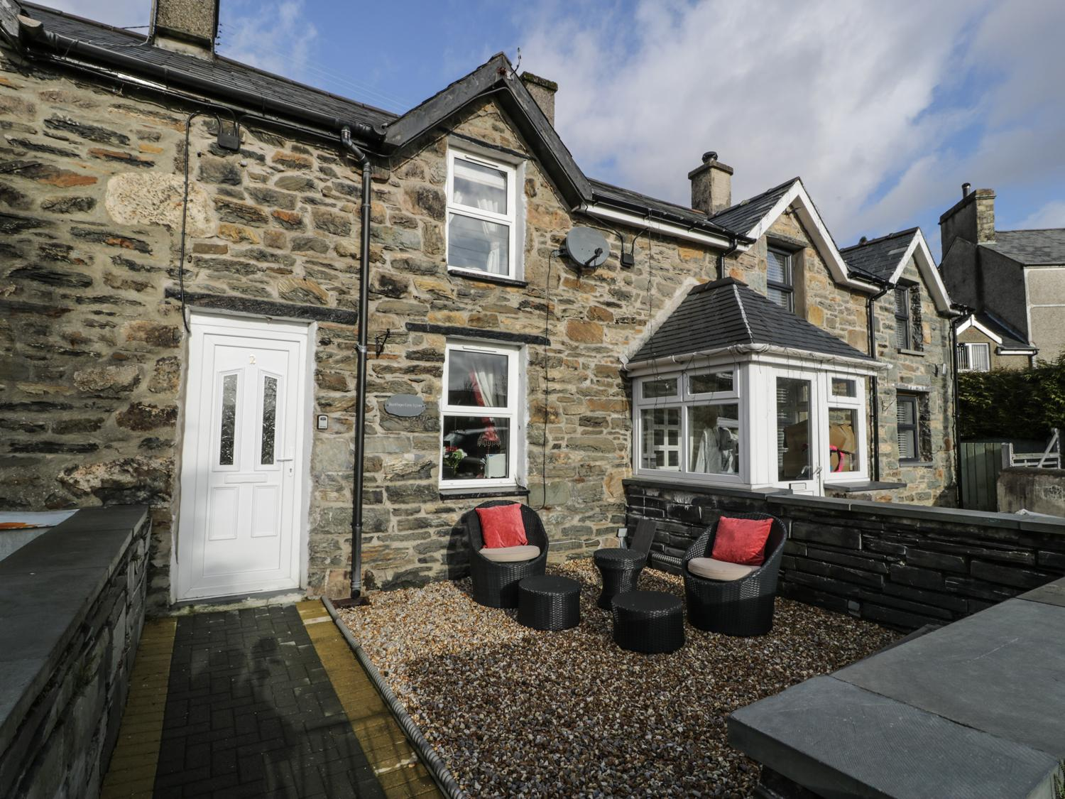 Bwthyn Ger Afon (Riverplace Cottage)