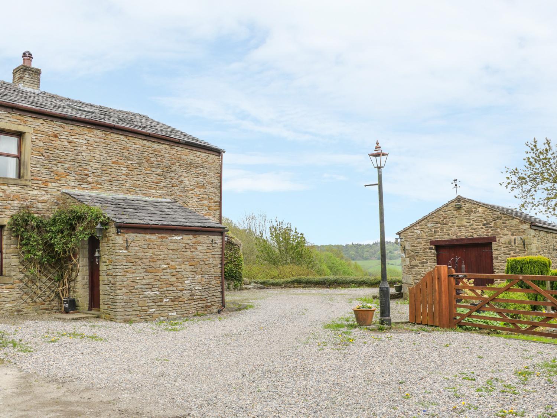 1 The Barn