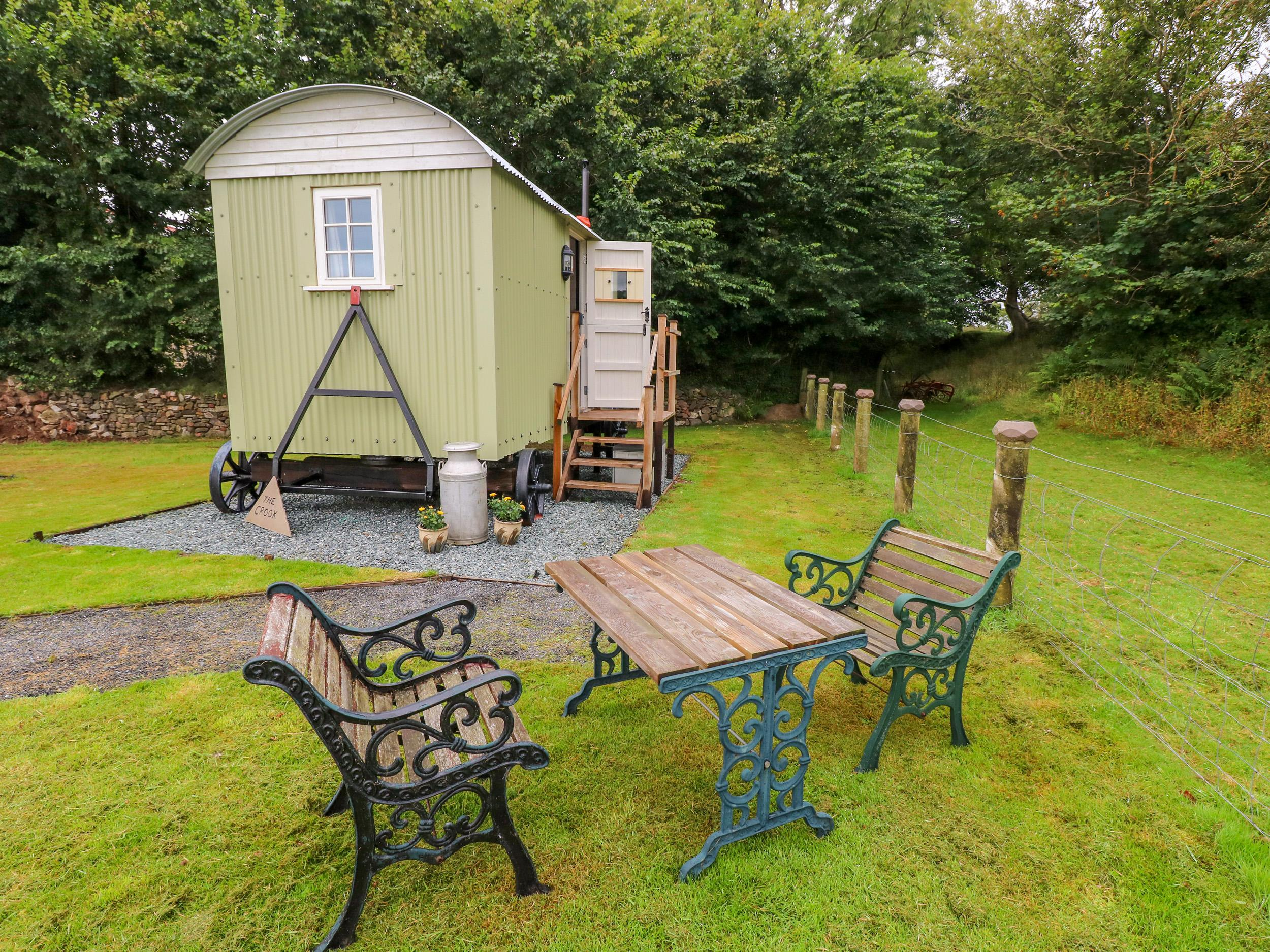 Shepherds Hut - The Crook